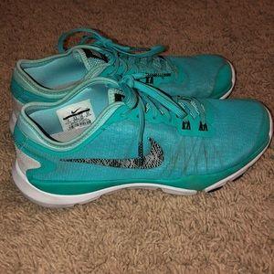 Teal Nike training flex supreme TR 4
